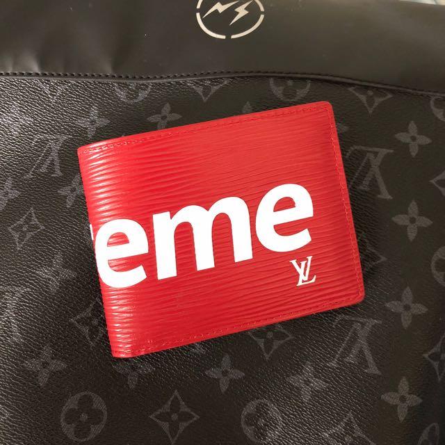 Supreme x LV Wallet