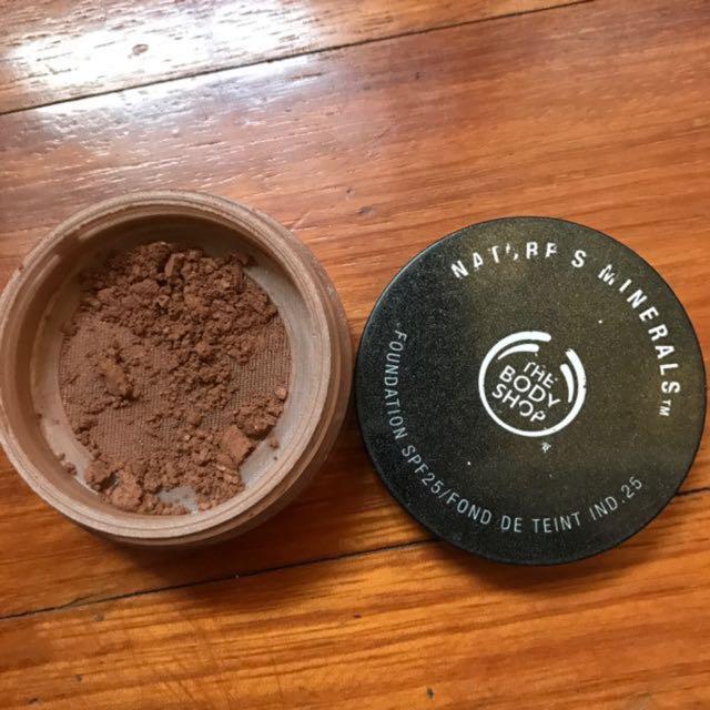 the body shop bronzer foundation