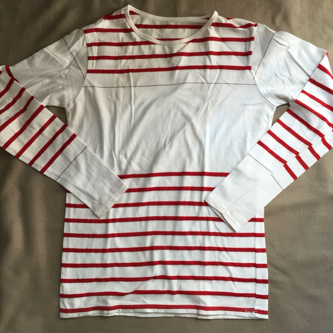 White/red long-sleeves