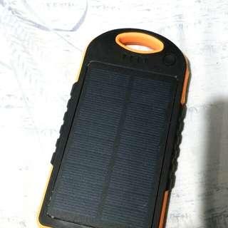 Solar Charging 12,000 mAh powerbank