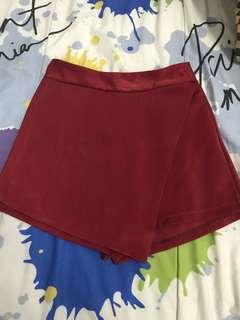 Celana bawahan merah