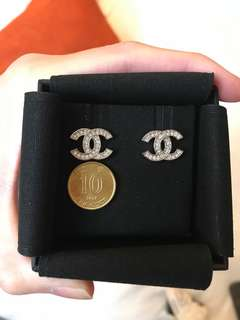Chanel classic CC logo earrings