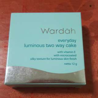 Wardah two way cake refill
