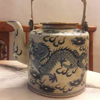 Antiques Chinese Dragons Porcelain Tea Pot