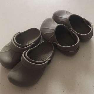 Crocs junior size 8-9 grey