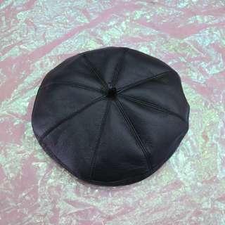 皮革貝蕾帽
