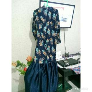 Gaun pesta navy flower