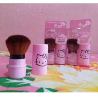 HELLO KITTY KABUKI BRUSH