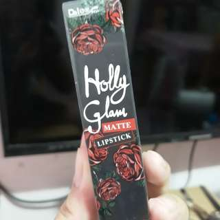 Daiso Holly Glam Matte Lipstick