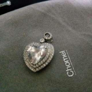 Chomel pendant