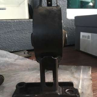 Toyota Vios NCP42 Engine Mounting