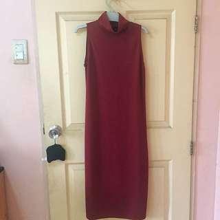 Maroon Turtleneck long dress with side slit
