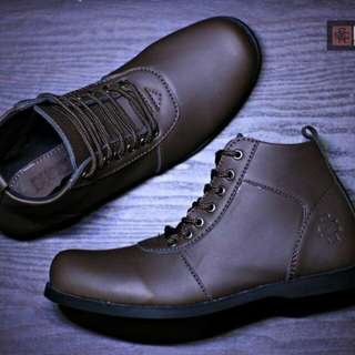 sepatu boots santai pria formal handmade BUSCH