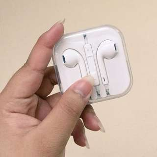 Authentic Apple Earphones