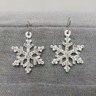 Blink Earring (Snowflake)