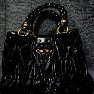 Miu Miu 牛皮手袋