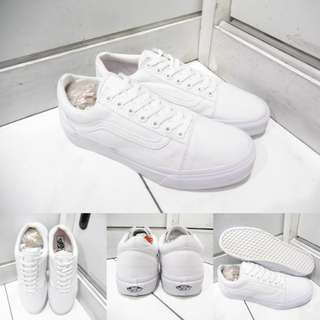 Sepatu Kets Sneakers Vans Old Skool Classics Canvas Suede True White Mono Full White Putih