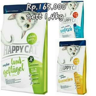 Makanan kucing happy cat fresh pack 1,4kg