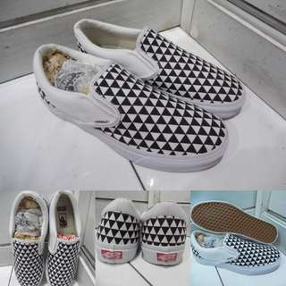 Sepatu Kets Vans Slip On OG Stockholm SNS Sneakersnstuff Triangle Checkerboard Black White Hitam