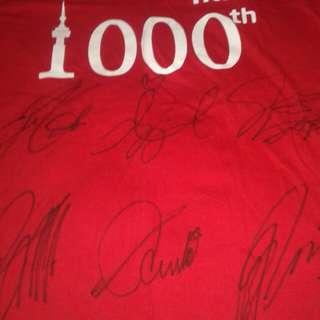 Gfriend全員簽名tshirt (全球限量100件)