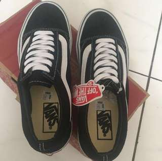 Man Vans oldskool black n white