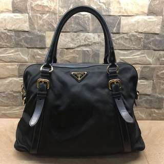 💯% Guaranteed Authentic Prada Hand Bag