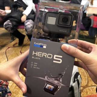 Authentic with Warranty GoPro Hero 5 Blk with Free Gift