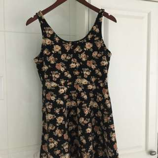 Forever 21 size M floral dress