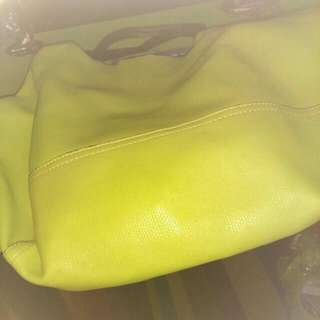 Brand new over night bag. Gant cost 250.00 asking 100.00
