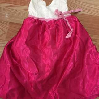 Pre loved dress for 2-3 years old