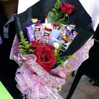 SUPRISE BOUQUET