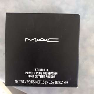 Mac studio fix pressed powder NC20
