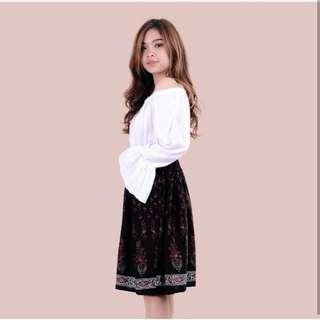 htp black floral skirt