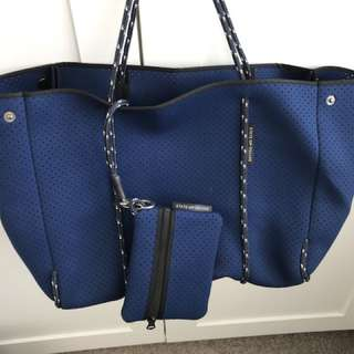 State of Escape - Escape tote in Navy