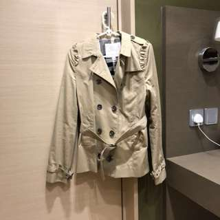 執屋sale: Burberry jacket children size 164 cm 14 years