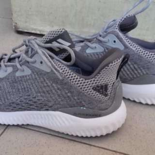 Adidas  Alphabounce em woman
