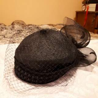 Black veiled hat