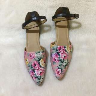 Floral Pointed Sandals