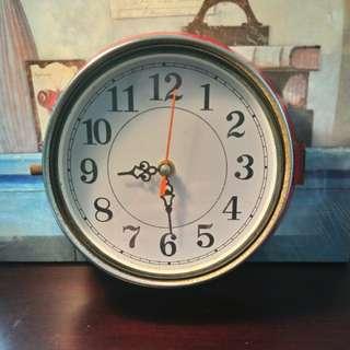 圓型老船鐘
