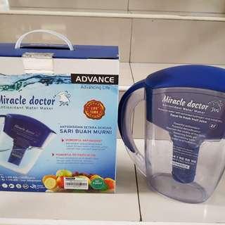 Miracle doctor jug