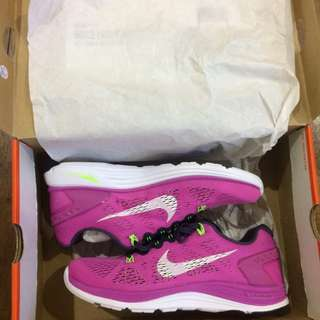 Repriced!!! BNEW Nike Lunarglide 5 WMNS Running 8.5us size