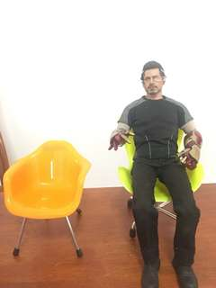 1/6 scale chair