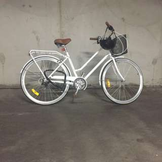 Women's Cruiser bike in excellent condition
