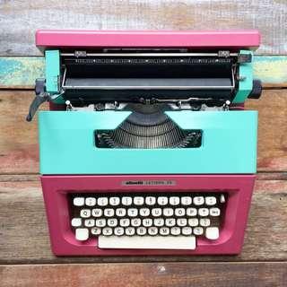Olivetti Lettera 25 Typewriter