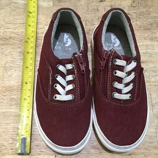 Maroon shoes for boys (Size 28-29)