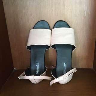 sandal ghealsy