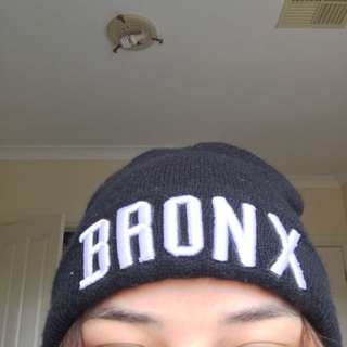 BLACK BRONX BEANIE