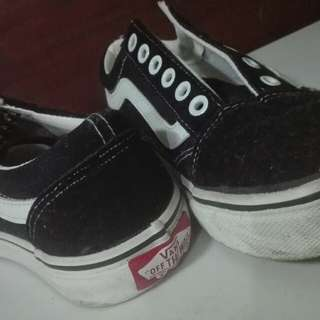 Old vans shoes (class a)