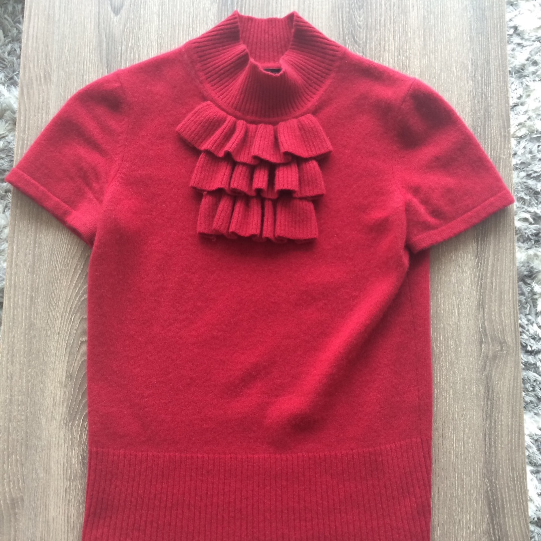 100% Cashmere Red Ruffle Short Sleeve Top
