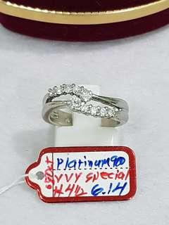 Platinum ring w/titus